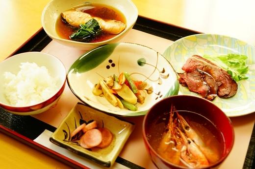 北海屋旅館の食彩のしおり / 鶴岡の旅 食彩のしおり 四月